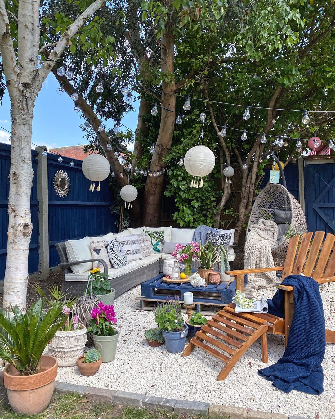 15-cool-ideas-to-decorate-your-the-garden-of-your-home-with-white-gravel-new-2020
